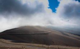 Die Spitze Mont Ventouxs in Frankreich lizenzfreies stockfoto