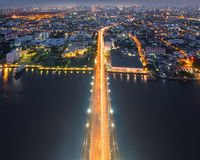 Die Spitze von Brücke Rama VIII, Bangkok, Thailand Stockbild