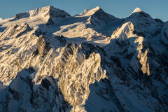 Die Spitzen von Rosenhorn, von Mittelhorn und von Wetterhorn (von links nach rechts verlaufend) Stockbilder