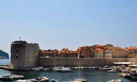 Die Stadt der alte Stadthafen von Dubrovnik lizenzfreie stockfotografie
