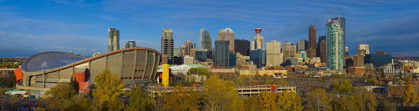 Die Stadt der Calgary-Skyline am Sonnenaufgang Stockfotos
