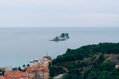 Die Stadt von Petrovac in Montenegro, das adriatische Meer, der Balkan Lizenzfreie Stockfotografie
