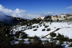 Die Stadt von Safed bedeckte mit Schnee Stockfotografie