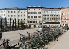 Die Stadt von Salzburg ist wiederholt als die Fahrrad-freundlichste Stadt in Österreich unterschieden worden lizenzfreie stockfotografie