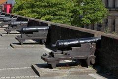 Die Stadtmauer von Derry in Nordirland lizenzfreie stockfotos