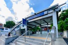 Die Station Bangkok-Nahverkehrssystem-BTS bei Khlong Toei herein Lizenzfreie Stockfotografie