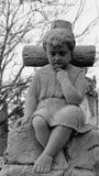 Die Statue des Jungen Lizenzfreie Stockfotos
