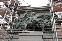Die Statue des Zars Osvoboditel säubern, Monument von König Liberator - russischer König Alexander II., baute im Jahre 1907 Jahr, stockfoto