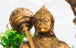 Die Statue wird vom Metall gemacht Stockfotos