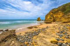 Die Steine von Kalkstein Schritt setzen, große Ozean-Straße auf den Strand Lizenzfreies Stockbild