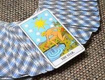 Die Stern-Tarock-Karten-Hoffnung, Glück, Gelegenheiten, Optimismus, Erneuerung, Geistigkeit stockfoto