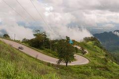 Die Straße auf dem Berg Stockfotos