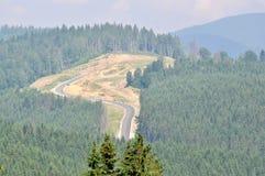 Die Straße in den Bergen stockfoto