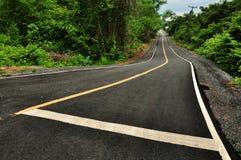 Die Straße in der Landschaft stockfoto