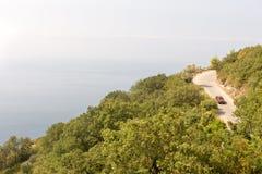 Die Straße entlang der adriatischen Küste in Montenegro Lizenzfreies Stockfoto