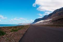 Die Straße zu Archer, der geschützte Sanddünebereich im Socotra, der Jemen Stockfoto