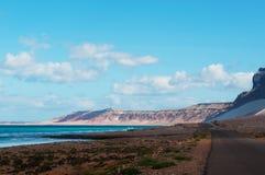 Die Straße zu Archer, der geschützte Sanddünebereich im Socotra, der Jemen Lizenzfreie Stockfotos