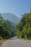 Die Straße zum Berg Lizenzfreies Stockbild