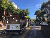 DIE SYMBOLISCHE SAN FRANCISCO-TRAM EISENBAHN? DRAHTSEILBAHNEN? lizenzfreies stockbild