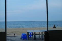 die Szene des sandigen Strandes im Freien Stockfoto