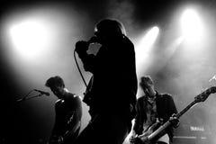 Die Töne (schwedische indie Rockwiederbelebungsband) führt bei Apolo durch Stockbild
