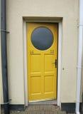 Die Tür bis 14 und 23 Stockfotos