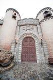 Die Tür des Schlosses Stockfotos