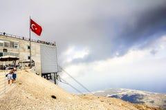 Die Türkei-Bergspitze Tahtalı Kemer im bewölkten Wetter Lizenzfreies Stockbild
