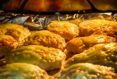 Die Türkei-Koteletts im Ofen Stockbilder