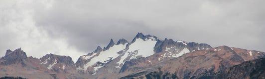Die Türkei, zentraler Taurus Mountains, Ansicht Aladaglar (Anti-Stier) von der Hochebene Edigel (Yedi Goller) Lizenzfreie Stockbilder