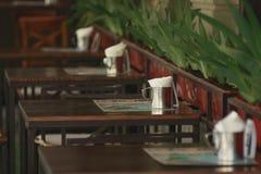 Die Tabellen im Café Stockbilder