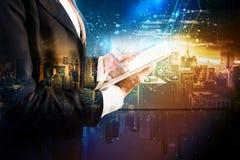 Die Technologie, die sich in der Zukunft entwickelt Lizenzfreies Stockfoto