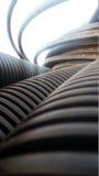 Die Teile für Abwasserkanalwasser laufen, Rohre aus Stockfotos