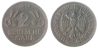 2 die teken 1951 muntstuk op witte achtergrond, Duitsland wordt geïsoleerd Stock Foto