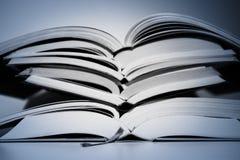Die Tendenz in Richtung zum zweiten Buch stockfotografie