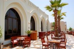 Die Terrasse des Restaurants im Luxushotel Lizenzfreies Stockbild