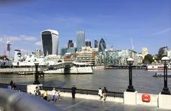 Die Themse in London-Landschaft Lizenzfreies Stockfoto
