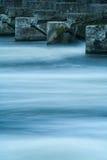 Die Themse minimal - zeitlose Wellen Lizenzfreies Stockfoto