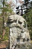 Die 12 Tiere der chinesischen Tierkreistigerstatue Stockbilder