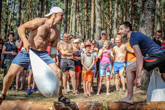 Die touristische Sammlung von jungen Leuten in der Gomel-Region des Republik Belarus Stockfotos