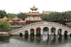 Die traditionellen Chinesen arbeiten, der baomo Garten in Guangzhou, Porzellan im Garten Lizenzfreies Stockfoto