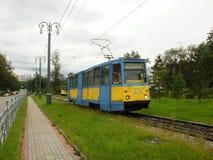 Die Tram von Modell 71-605 in Chabarowsk Stockbilder