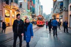 Die Tram von Taksim, Istanbul lizenzfreie stockbilder