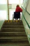 Die Treppe hinunter gehen Stockfotografie