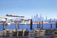 Die UAE Die Einschienenbahn auf der Palme Jumeirah lizenzfreie stockfotos