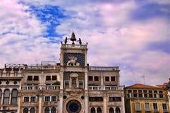 Die Uhr von macht in Venedig Italien fest Lizenzfreies Stockfoto