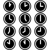 Die Uhren, die verschiedene Zeitstunden-Symbolikonen zeigen, unterzeichnet Logos einfacher Schwarzweiss-Farbsatz 2 stock abbildung