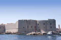 Die ummauerte Stadt von Dubrovnic in Kroatien Europa ist es eins der herrlichsten Fremdenverkehrsorts vom Mittelmeer Lizenzfreies Stockfoto