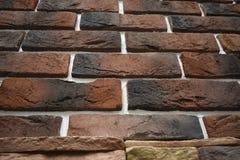 Die unshadowed Backsteinmauer kann einen historischen Wert gehalten werden stockfotos