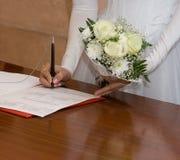 Die Unterzeichnung der Braut Stockfoto
